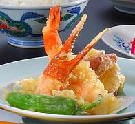ふく、蟹、海老と季節野菜の天ぷら