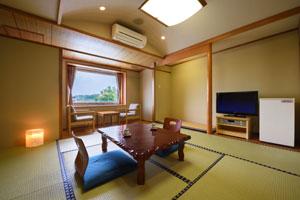 広々 清潔感溢れる和室8畳